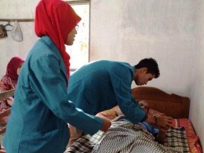 Home Visit Mahasiswa Program Studi Profesi Ners di Wilayah Puskesmas Sedayu II