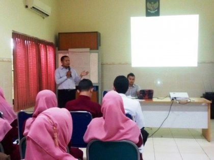 "Scientific Meeting "" Effective Communication in Nursing"" Jurusan Pendidikan Ners Universitas Alma Ata berkerjasama dengan RSI Hidayatullah"