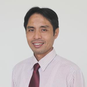 Ahmad Yunadi, S.E.,MA ( Dekan Fakultas Ekonomi dan Bisnis)