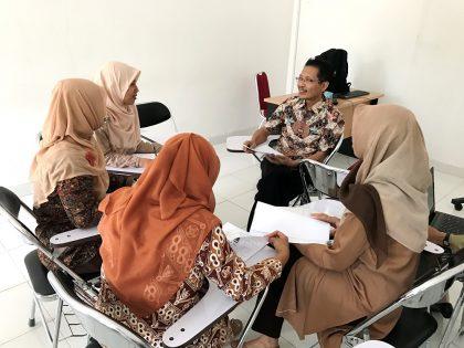 Prodi PGSD  Mengadakan Workshop on Research Proposal Writing Clinic Bersama Dr. Drs. Udik Budi Wibowo