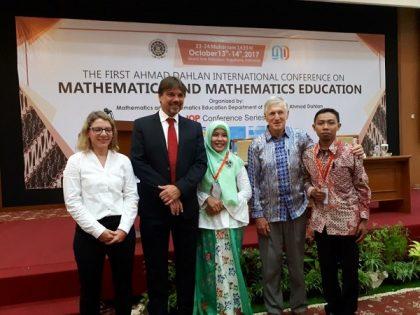 Dosen Prodi Pendidikan Matematika Universitas Alma Ata Mempresentasikan Hasil Penelitiannya pada Seminar Internasional AD INTERCOMME 2017