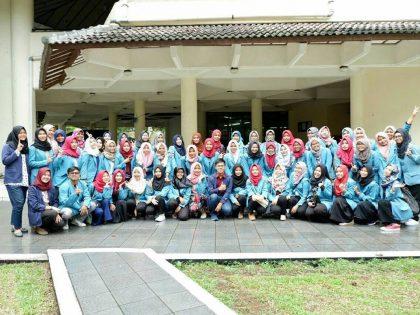 Studi Banding Prodi S1 Ilmu Gizi Universitas Alma Ata ke Departemen Gizi Masyarakat Institut Pertanian Bogor