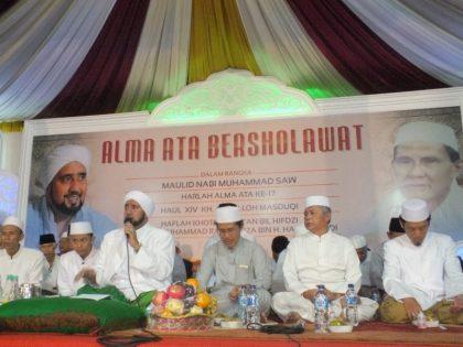 Alma Ata Bersholawat Bersama Habib Syech Dalam Rangka Memperingati Harlah Kedua Universitas Alma Ata