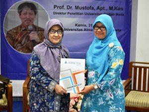 Penyerahan Dana Hibah Penelitian Yayasan Alma Ata