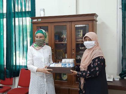 UAA Serahkan Paket Masker Dan Hand Sanitizer Di Kompleks Pemerintah Daerah  Kabupaten Bantul  Yogyakarta